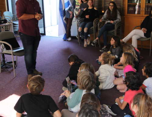 Religious School Celebrates Yom Ha'Atzmaut at the Shuk!